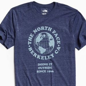 North Face globe cropped t-shirt
